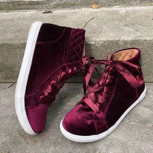 Steve Madden Velvet High Top Sneakers Size 9.5